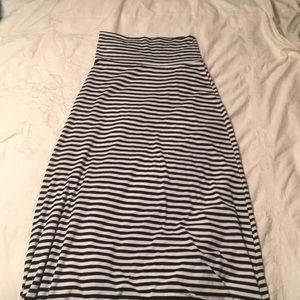 Maxi skirt floor length black and white striped
